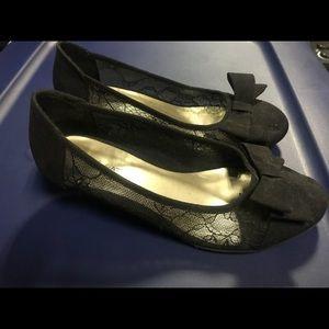 Girls 1 inch high shoe size 3